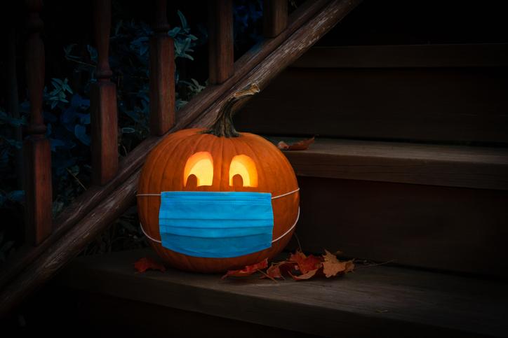 Jack o Lantern with a mask